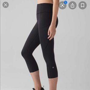 Lululemon fast and free crops Sz 2